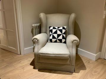 Cojines persoonalizados de cañamazo en sillones
